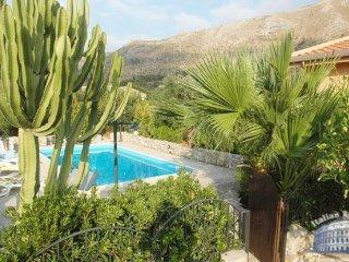 Villa in Sicily : Palermo Area Villa Colletta + Annex