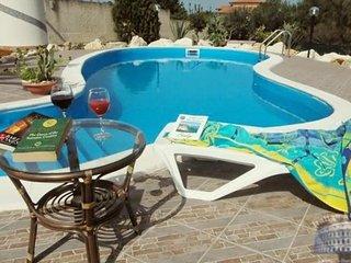 Villa in Sicily : Palermo Area Villa Il Veliero + Annex, Scopello