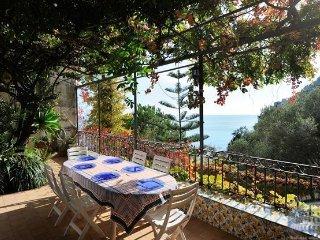 Villa in Sorrento & Amalfi Coast : Amalfi & Ravello Area Casa Le Terrazze, Minori