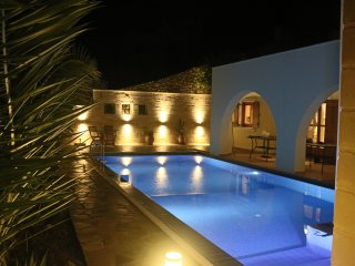 Villa Mia - private villa with wifi & heated pool