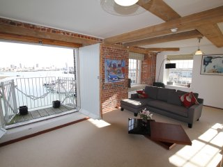 Stunning Grade II Listed Luxury Apartment with Sea/Harbour Views