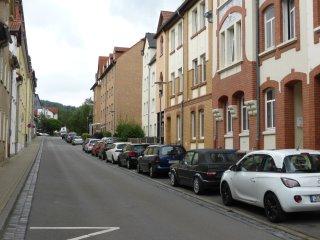 Große Wohnung für 8 Personen, Nähe Zentrum, free Wi-Fi & Parking