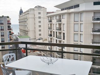 Luxury 2 beds / 2 baths with sea view 328, Cannes