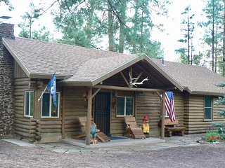 """Otter Cabin"" in Heart of Pinetop-Lakeside"
