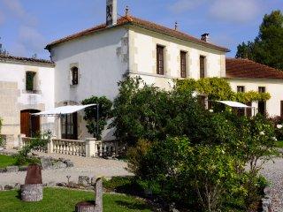 L'Abricotier, Le Moulin de Chazotte, Cherves-Richemont