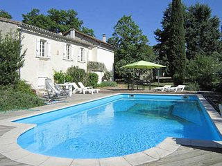 Aude holiday home near Carcassonne, South France, with private pool sleeps 6, Verzeille