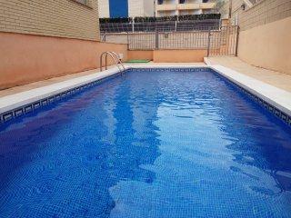 M-102. Apartamento con vistas al mar, A/A, piscina. Ideal vacaciones en familia.