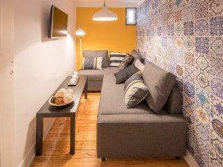 Iris Yellow Apartment, Bairro Alto, Lisbon