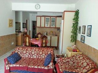 R33 Cozy apartment close to sea ., Hanioti
