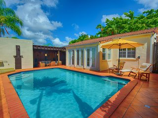 Charming Miami/Coconut Grove-Coral Gables Area 3/2 Pool Home Close To It All!