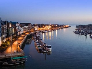 Littlehampton is a seaside resort with pleasure harbour town and the most populo