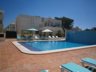 Ground Floor, Central, Air Con,Safe Gated Swimming Pool,150m From Water Front