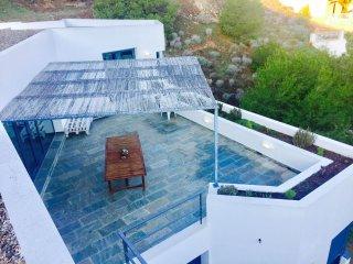 Bonita y espaciosa casa con vistas y piscina