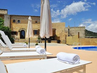 Nice and original villa for 8 people with private pool in Santanyi