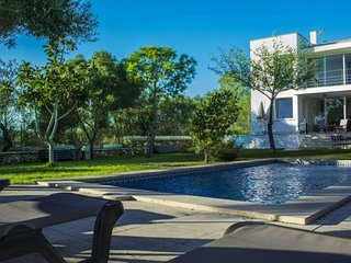 Last Minute -10% April and May 2017. Villa with private pool in Marratxi for 12