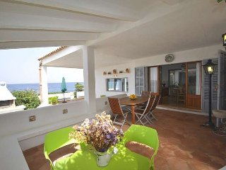 Rustic house with sea views in front Bahia Alcudia. Wifi. BBQ Majorca. Children