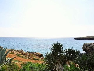 Modern house in Cala Morlanda, ideal for 5 people, S'illot