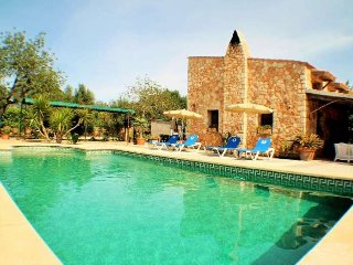 Dream Villa with private pool and barbecue! Up to 6 Pax