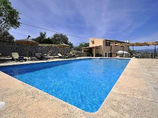 Lovely Rustic Villa for 6 people with pool in Sencelles. Majorca. Children Welco