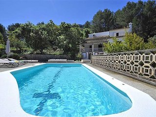 Cozy house with private pool in Esporles.  8 pax. Air conditioner. Wifi. Garden