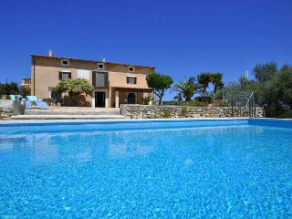 Finca in Arta, near beautiful beaches, for 8 people, 4 bedrooms.