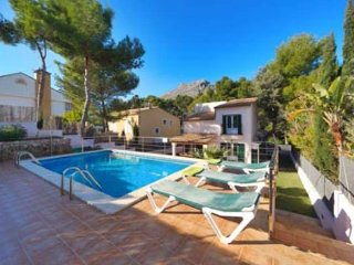 Chalet for 8 people 150 meters from Cala Sant Vicens, Mallorca. Villa Pinar. Pri
