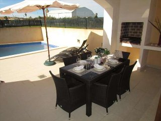 House with pool in Son Carrió. 6 people, 3 rooms. WIFI. Satellite TV. Majorca.