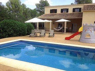 Chalet for 10 people with swimming pool in Sencelles. Majorca. 4 bedrooms Satell