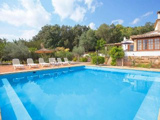 Country house for 8 people in the interior of Mallorca. WIFI. Private pool. Clea