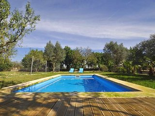 Consell. House 6 people. Wifi and private pool.