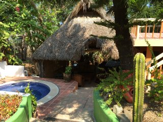Casa le Jardin - Rustic bungalow in residential San Pancho, 10 min walk to beach