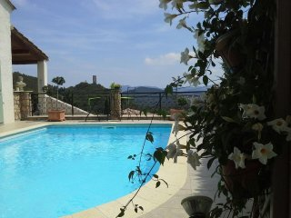 Superb quiet location, high in the hills overlooking the village of Taradeau.