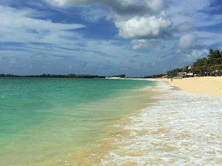 Barefoot Oceanfront Condo St Maarten