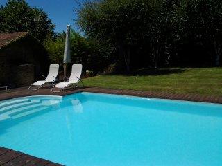 Apartamento rural con piscina y barbacoa