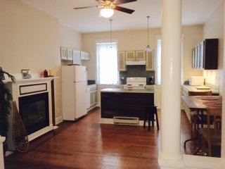 The Hudson House (2br apartment. 1br and 3br also available), Troy