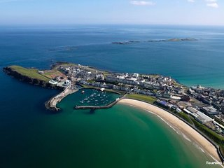 Luxury Portrush Holiday Home (Sleeps 12 - 8 beds) The Grange. 6 bedrooms. Wifi