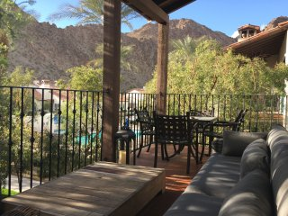 Luxury 2 Bedroom Villa 1 King 1 Queen + 2 Baths Kitchen with Gorgeous Views!