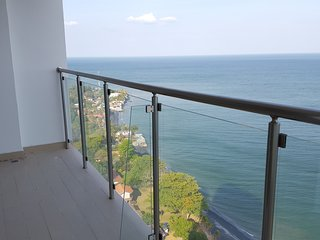 Beachfront 2 bedrooms condo in Pal Mar Residences
