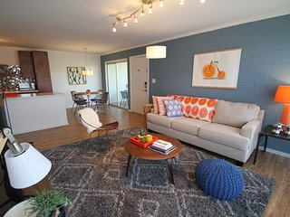 Luxurious 2BR Condo steps from Old Town Scottsdale