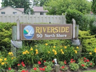 Riverside Condo #8, South Haven