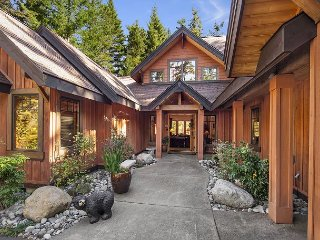 Private Luxury Home, 3 Masters|Game Rm, Bicycles, + Bonus Rm, Hot Tub,, Cle Elum