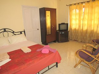 h38) Serviced Studio Apartment Central Calangute & WiFi