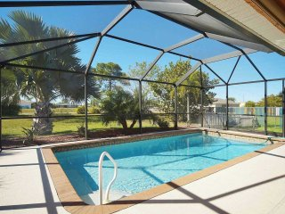 25% OFF! SWFL Rentals - Villa Luisa - Gorgeous 3 Bedroom Pool Home Sleeps 6