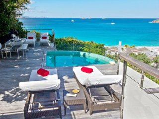 This luxury villa enjoys a prime location for relaxing holiday in St Barth