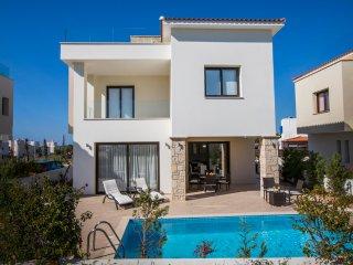 Golden seaside villa 2. 3 bedroom beach villa with private pool.