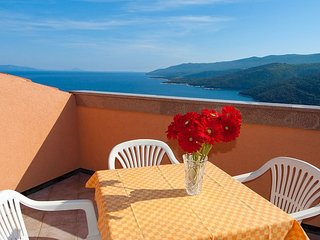 Loft apartment with beautiful view for 4 person 51, Rabac