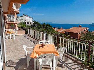 Browny apartment with nice sea view for 5 persons 51, Rabac