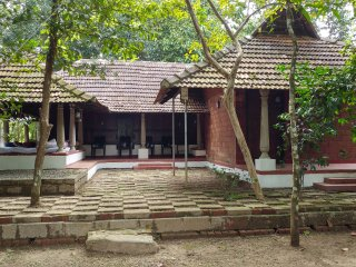 Kuruvi'S Nest Home Stay