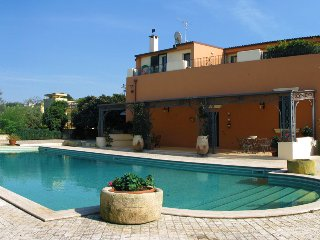 198 Villa with Pool and Garden in Casarano