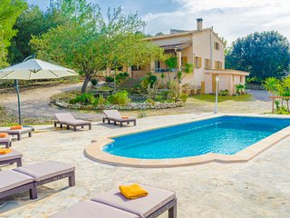 ES RIQUERS - nice villa in Porreres for 7 people